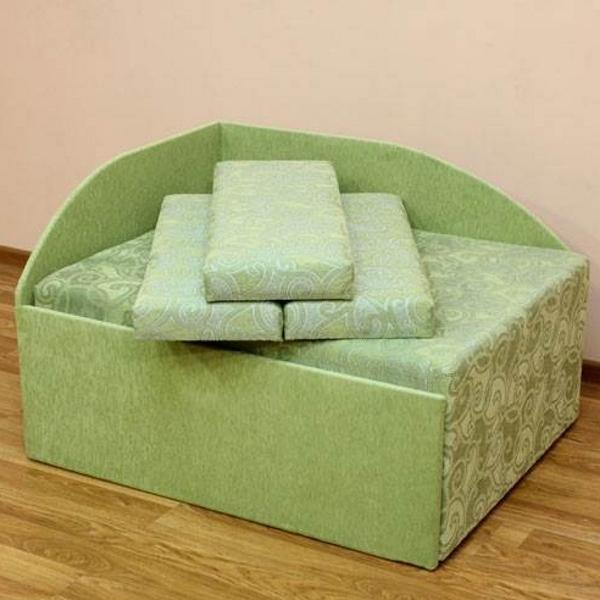 Кубик, диван в ткани ренесанс грин и соло грин. 1-я категория