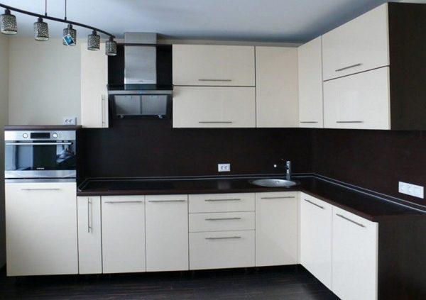 Кухня на заказ 1м (верх+низ+столешница) фасады МДФ плёнка 1 кат.
