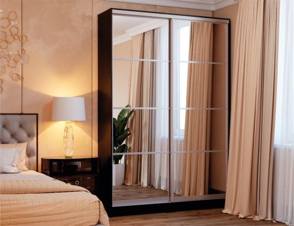 Двухдверный шкаф-купе цвет дуб венге магия, фасады комбинированные зеркало, система серебро