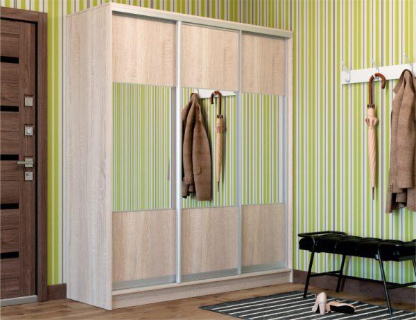 3-х дверный шкаф-купе, цвет корпуса дуб сонома, система серебро, фасады комби ДСП/Зеркало