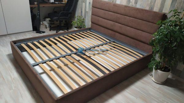 Двухспальная мягкая кровать